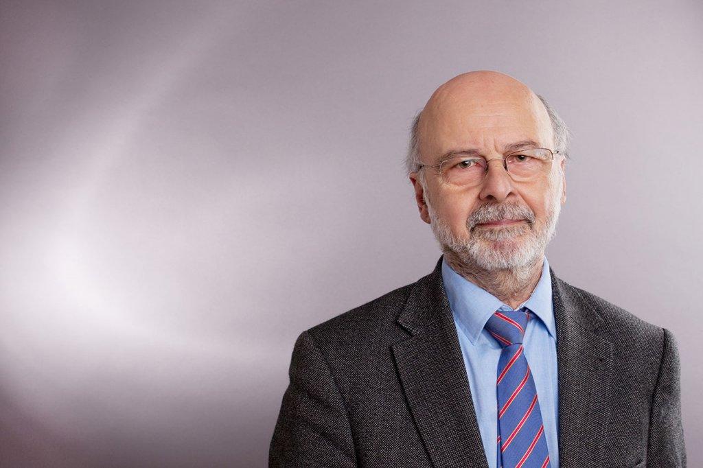 Dr. Siegfried Neufert